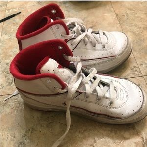 Kid's SZ 1Y Nike Air Jordan 2 Retro BP  Shoes